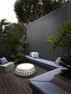 102 Marvelous Modern Front Yard Privacy Fences Ideas - Page 39 of 104 Backyard Fences, Garden Fencing, Garden Beds, Backyard Landscaping, Landscaping Ideas, Concrete Backyard, Yard Privacy, Privacy Fence Designs, Privacy Fences
