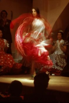 1000 images about magic of dance flamenco on pinterest for Espectaculo flamenco seville sevilla
