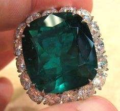 29.78ct Emerald Ring with 7.38ct in diamonds in platinum