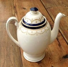 Vintage tea pot coffee pot by Meakin by ChintznChina on Etsy, £15.00