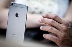 IPhone da record, venduti 74,5 milioni © ANSA