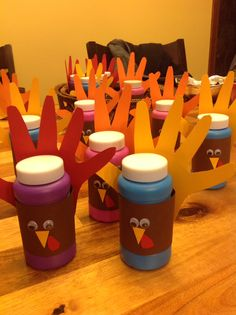 Thanksgiving treats for my son's preschool class. Easy- bubbles, construction paper, and glue on eyes!