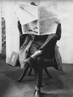 Le Journal de la Photographie          Adolfo Kaminsky  L'apprenti faussaire (en la lutte contre Franco en Espagne, cliché réalisé au laboratoire de faux papiers d'Adolfo Kaminsky), 1965