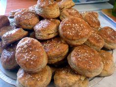 Prekladané oškvarkové pagáče (fotorecept) - recept | Varecha.sk Pretzel Bites, Bread, Food, Meal, Essen, Hoods, Breads, Meals, Sandwich Loaf