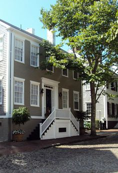 CURB APPEAL – another great example of beautiful design. Debby Steele: The Charming Exteriors of Nantucket featured inside New England Home Magazine.