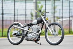 Yamaha SR400 by Candy Motorcycle Laboratory | Modified subframe | Japan | via SR400times.com