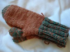 Marie's Plain Four Needle Mittens pattern by Marie of Mittens for Akkol