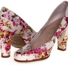 d9dce95159 AEROSOLES Shoes | Aerosoles Comfy High Heel Pumps | Color: Pink/Red | Size:  9