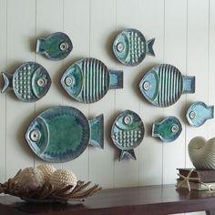 Неординарные декоративные тарелки в виде рыбок разной формы