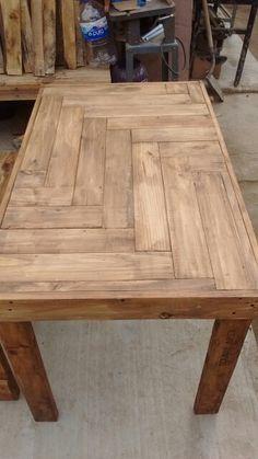 Mesa com tampo de madeira e resina reciclada fa a voc - Mesa resina infantil ...