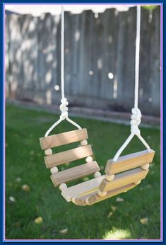 DIY woodworking projects can make your home decor unique on a budget. The problem for most beginner DIYers is they don't have the tools to make them happen. Here are 10 simple woodworking projects tha Kids Woodworking Projects, Woodworking Wood, Woodworking Beginner, Youtube Woodworking, Woodworking Basics, Woodworking Joints, Woodworking Machinery, Woodworking Workshop, Popular Woodworking