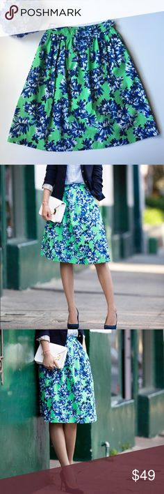 """🎉HP🎉J. Crew Floral Skirt. NWOT Calling to mind '50s-style hemlines, this full A-line skirt keeps it modern, thanks to the print. Recolored in an eye-popping palette just for us, these blooms are unlike any others we've seen in nature. Simply beautiful!   Cotton. Side zip. Machine wash. Size 00P. True to size. Falls to knee. Sits at waist. 🎉HP🎉""""Back To Basics Party""""-9/21/2016 Courtesy of Devin Nicole @musical_penguin J. Crew Skirts A-Line or Full"""