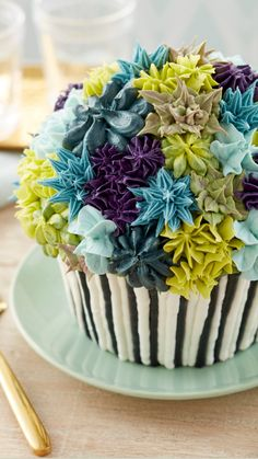 Cake Decorating Airbrush, Wilton Cake Decorating, Cake Decorating Supplies, Cake Decorating Techniques, Cookie Decorating, Giant Cupcake Cakes, Large Cupcake, Cupcake Cookies, Beautiful Cakes
