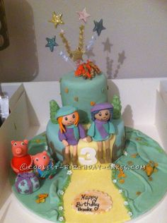 Coolest Peppa Pig Birthday Cake... This website is the Pinterest of birthday cake ideas