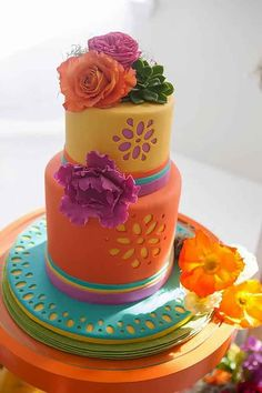 Mexican wedding cake could be very funny and creative. There are four rules for such kind of cake creation. See our gallery and look for the bonus! Gorgeous Cakes, Pretty Cakes, Fondant Cakes, Cupcake Cakes, Bolo Neon, Fiesta Cake, Fiesta Party, Cupcakes Decorados, Gateaux Cake
