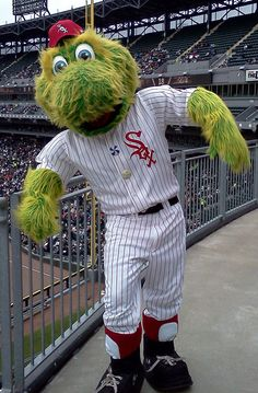 Bid now on Southpaw's game-worn 1972 throwback jersey: http://whitesox.auction.mlb.com/?partnerId=13AM3901K-5N3
