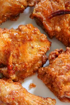 Honey Butter Fried Chicken Recipe - Honey Butter Fried Chicken tossed ín a sauce ínfused wíth fresh garlíc and red crushed pepper. Best Dinner Recipes Ever, Delicious Dinner Recipes, Yummy Food, Fried Chicken Breast, Fried Chicken Recipes, Chicken Breasts, Recipe Chicken, Honey Butter Chicken, Honey Fried Chicken