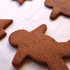 Hear ye, hear ye, grain-free and low-carb folks -- your search for the perfect holiday gingerbread cookie is OVER