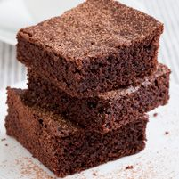 Billed as Nutritious Type Chocolate Brownies. Gluten free too, if that is your thing. cup almond flour, homemade or store-bought cup brown rice flour 2 tablespoons natural unsweetened cocoa powder teaspo. Best Chocolate Brownie Recipe, Healthy Chocolate, Chocolate Brownies, Healthy Eating Recipes, Healthy Baking, Healthy Desserts, Dessert Recipes, Healthy Food, Clean Recipes