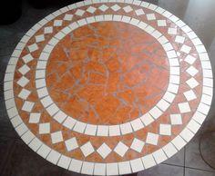 asztal csempemozaikkal 1