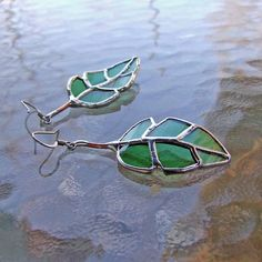 Items similar to Recycled Green Glass - Elm Leaf Earrings - Mother's Day Gift - Mother's Day Jewelry - Eco Friendly Jewelry on Etsy Stained Glass Designs, Stained Glass Projects, Stained Glass Art, Mosaic Glass, Fused Glass, Glass Earrings, Leaf Earrings, Glass Jewelry, Etsy Earrings