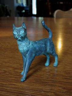 """#7-""""Han Dynasty"""" Franklin Mint Curio Cabinet Cats Collection 2nd of 3 series (12 in 2nd series, 39 total)"""