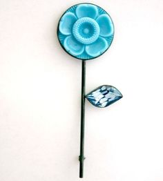 Vintage Flower Pin | Contemporary Brooches by contemporary jewellery designer Grainne Morton