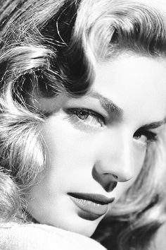 🌞 This Ivy House 🌖 - Lauren Bacall, Old Hollywood Stars, Golden Age Of Hollywood, Vintage Hollywood, Hollywood Glamour, Hollywood Actresses, Classic Hollywood, Divas, Bogie And Bacall, Black And White Stars