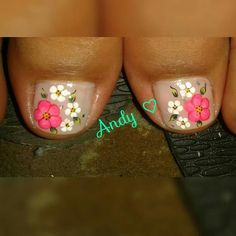 Uñas                                                                                                                                                                                 Más Cute Pedicure Designs, Toe Nail Designs, Pedicure Nail Art, Toe Nail Art, Cute Toe Nails, Pretty Nails, Summer Toe Nails, Feet Nails, Beautiful Nail Designs