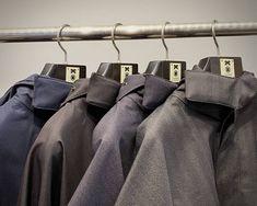 【New arrivals】 Y. & SONS が2015年3月にオープンして以来、きものに合わせるコートの定番アイテムとしてご提案してきたのが、ノルウェージャン・レインのレインチョです。 . 今シーズンの新作が入荷致しました。 . お店またオンラインショップにてご覧いただけます。 Norwegian Rain, Tote Bag, Bags, Fashion, Handbags, Moda, Fashion Styles, Totes, Fashion Illustrations