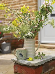 Denby, Heritage Orchard, Mug and Jug. The shape of this jug was based on a jug we made about 80 years ago. It's a good example of the 'glaze break' Denby Pottery, Mugs And Jugs, Dinnerware Sets, Serveware, Bowl Set, Flower Power, Color Change, Shapes, Ceramics