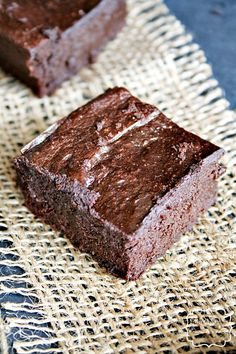 no flour, no butter, almond flour, avocado dark chocolate brownies