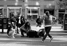 Google Image Result for http://www.dancehiphopmoves.com/hiphopdancersonstreet.jpg