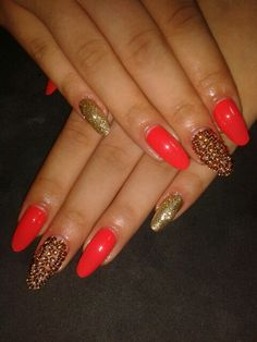 Almond nails and beautiful design