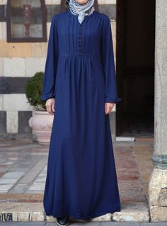 SHUKR's long dresses and abayas are the ultimate in Islamic fashion. Burka Fashion, Moslem Fashion, Modest Fashion, Hijab Fashion, Fashion Outfits, Muslim Dress, Hijab Dress, Modele Hijab, Mode Abaya