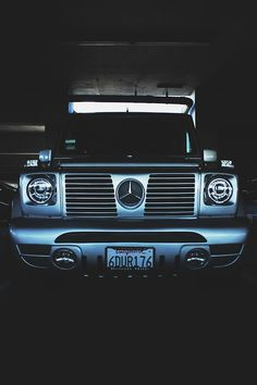 254eastafricangirl:  I love mercedes benz trucks!!!