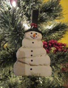 Hey, I found this really awesome Etsy listing at https://www.etsy.com/listing/475422119/primitive-rustic-overweight-snowman