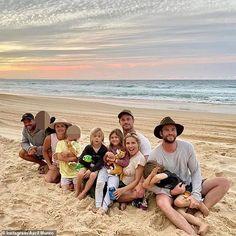 Chris Hemsworth Family, Hemsworth Brothers, Chris Hemsworth Thor, Matt Damon Family, Rainbow Beach, Good Morning Sunshine, Hollywood Star, Byron Bay, Bucky Barnes