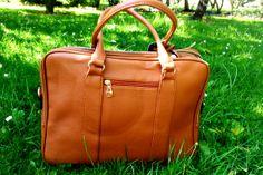 Bolso maletín color camel: 29,95€ www.balamoda.es