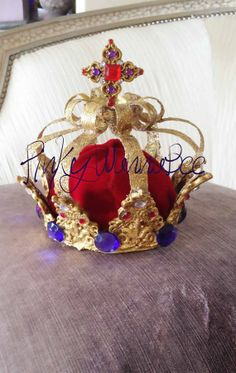 King / Prince Crown by PinkyWannaBee. Awesome for a prince birthday party! Prince Birthday Party, Prince Party, 5th Birthday, Birthday Ideas, Birthday Parties, Royal Theme Party, Party Themes, Party Ideas, Party Animals