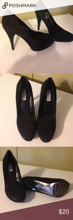 "Steve Madden black suede shoes. Sz 9M Steve Madden black suede shoes. Sz 9M. 5"" heels.  Worn very little. Steve Madden Shoes Heels"