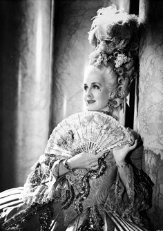 Norma Shearer shines in Marie Antoinette (1938) back in print from the Warner Archive
