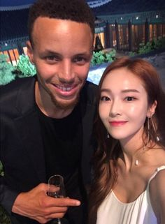Jessica Jung snap photos with Stephen Curry