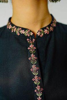 Embroidery On Kurtis, Kurti Embroidery Design, Embroidery Neck Designs, Embroidery On Clothes, Embroidered Clothes, Embroidery Fashion, Embroidery Dress, Embroidered Kurti, Fancy Dress Design