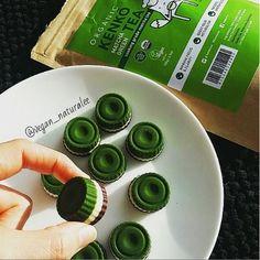 Matcha green tea chocolate raw vegan treats. Easy, quick, vegan, dairy free, sugar free recipe: