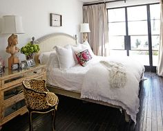 Awesome simple and eclectic bedroom
