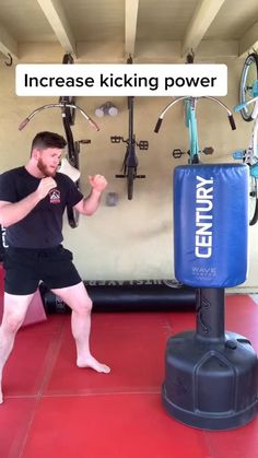 Boxing Training Workout, Mma Workout, Kickboxing Workout, Gym Workout Tips, Self Defense Moves, Self Defense Martial Arts, Martial Arts Workout, Martial Arts Training, Fighter Workout