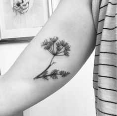 A little dandelion. | 31 Insanely Gorgeous Floral Tattoos
