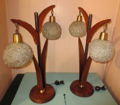 WOW!! PAIR VINTAGE RETRO MID CENTURY DANISH ERA TEAK & LUCITE SHADES TABLE LAMP NICE