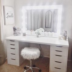 Superb Perfect dressing table with room for all your make up! The post Perfect dressing table with room for all your make up!… appeared first on Ameria . Bathroom With Makeup Vanity, Vanity Room, Makeup Vanities, Vanity Set, Vanity Mirrors, Small Bedroom Vanity, Master Bedroom, Makeup Table Vanity, Vanity Decor